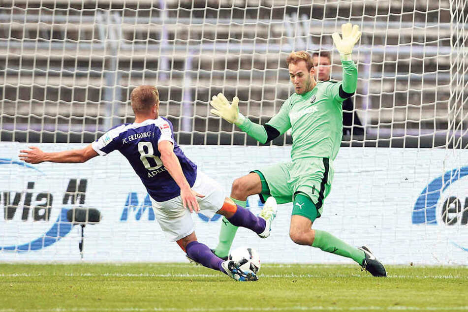 Das war das erste Saisontor durch Nicky Adler! Aue gewann gegen Sandhausen 2:0 -am Freitag soll ein ähnliches Ergebnis her.