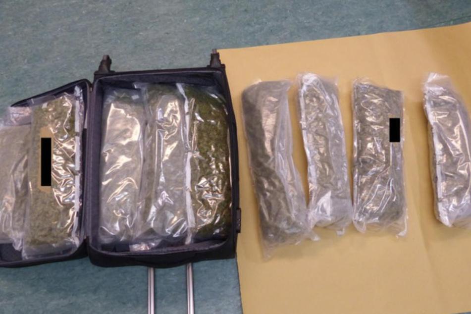 14 Kilogramm Marihuana hat die Polizei im Kofferraum des Wagens vorgefunden.