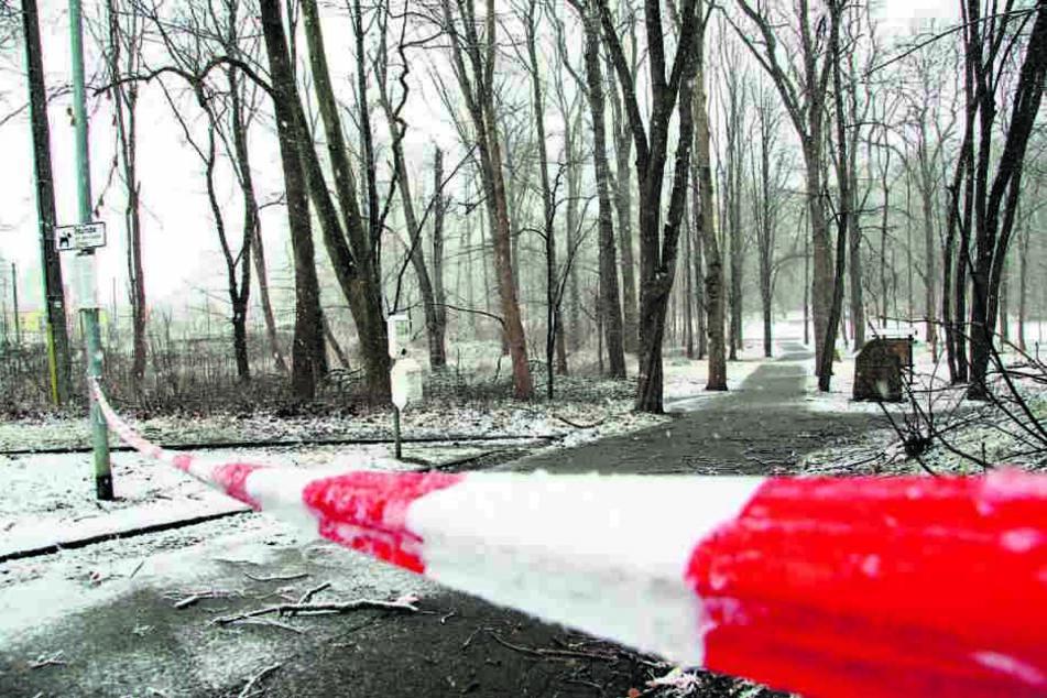 Wegen Lebensgefahr gesperrt: der Wilhelm-Wunderlich-Park in Meerane.