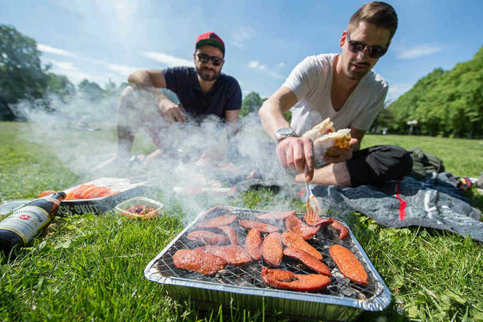 Auf proteinreiches Fleisch sollte man in der Hitze lieber verzichten.