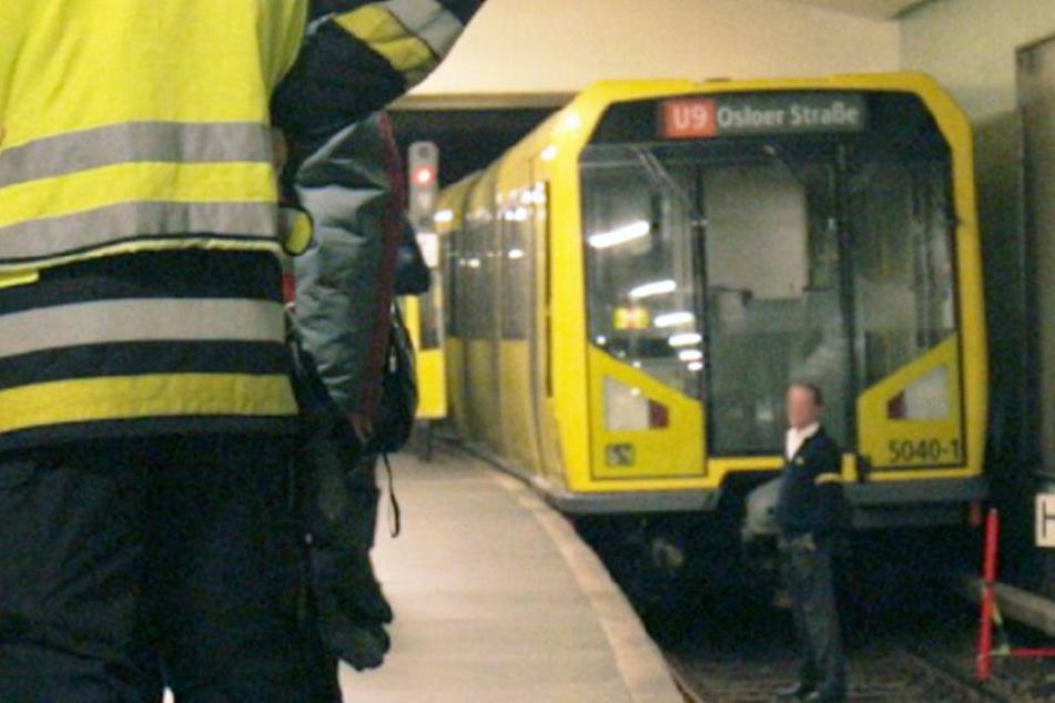 Mann wird brutal ins Gleisbett geprügelt