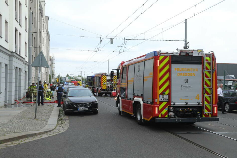 Dresden: Küchenbrand in Dresden: Zwei Bewohner im Krankenhaus