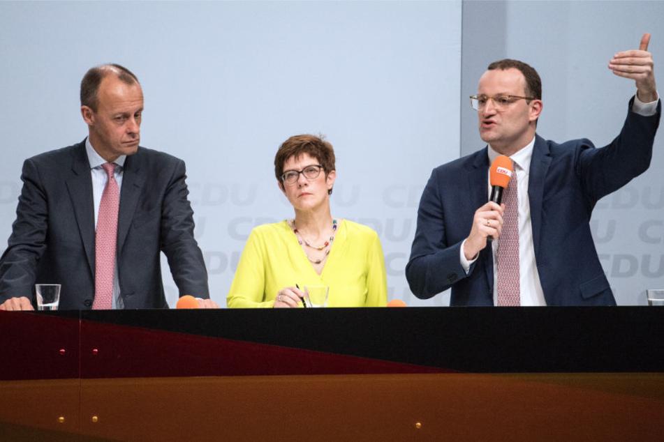 V.l.n.r.: Der ehemalige Unionsfraktionschef Friedrich Merz, Generalsekretärin Annegret Kramp-Karrenbauer und Gesundheitsminister Jens Spahn.