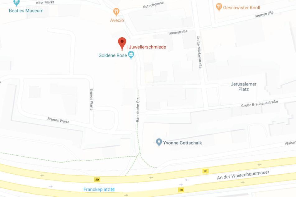 Das Juwelier- und Goldschmiedgeschäft in der Rannischen Straße wurde am Mittwochmorgen überfallen.