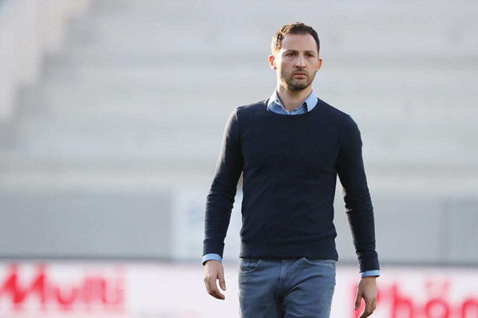 FCE-Trainer Domenico Tedesco macht sich bezüglich der bevorstehenden Aufgabe seiner Mannschaft keinen Druck.