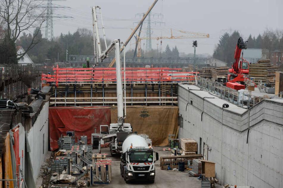 Große Teile der A7 in Hamburg bekommen beim Ausbau einen Lärmschutzdeckel.