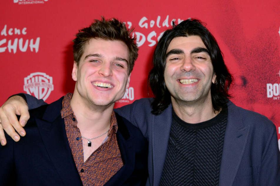 """Jonas Dassler (l), Schauspieler, und Fatih Akin, Regisseur, kommen zur Premiere des Kinofilms """"Der Goldene Handschuh""""."""