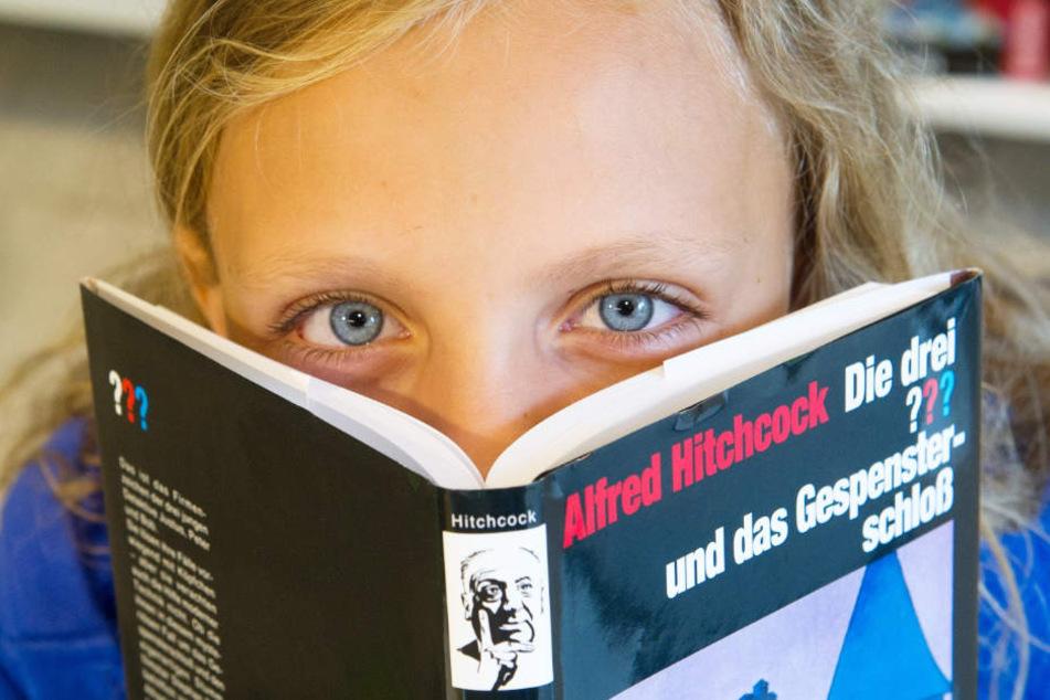 """Die Hörspiele beruhen auf der älteren Jugendbuchreihe """"Die drei Fragezeichen""""."""