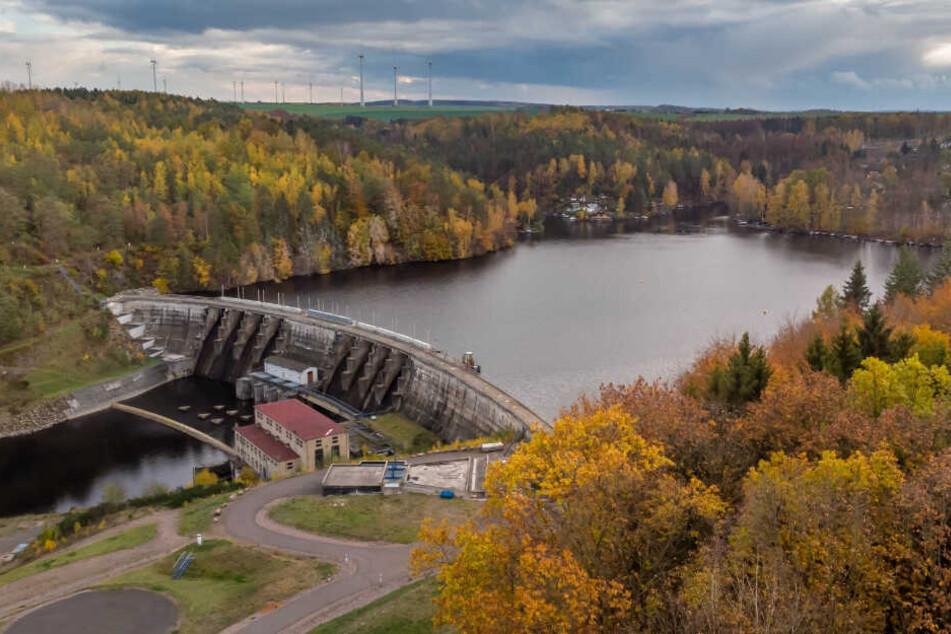 Die Sanierung der Staumauer wurde über 2020 hinaus verschoben. Ursprünglich sollte das Wasser im August abgelassen werden.