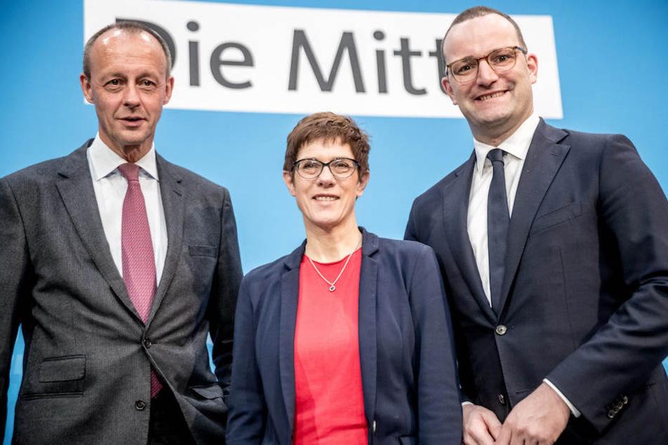 Friedrich Merz (63), Annegret Kramp-Karrenbauer (56) und Jens Spahn (38) kämpfen um die CDU-Spitze.