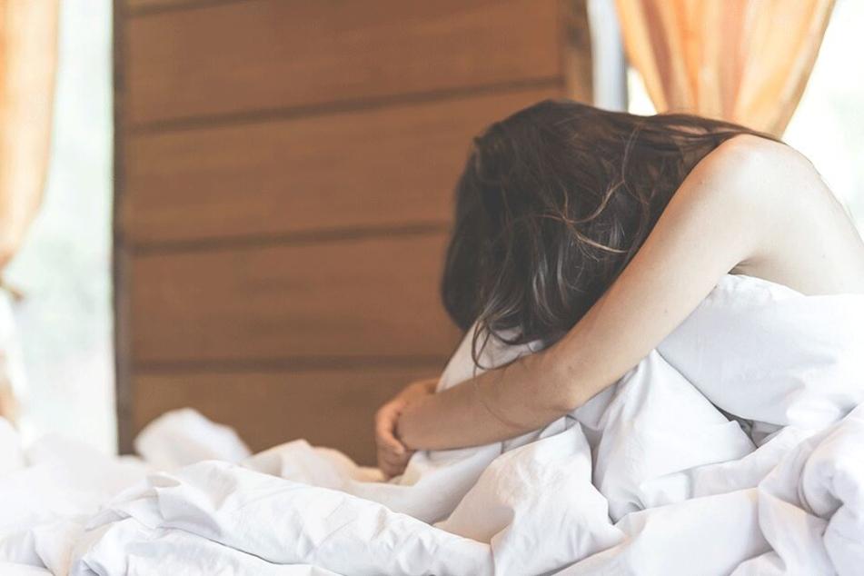 Frau zerrt Bekannten wegen Vergewaltigung vor Gericht, doch dann wird es demütigend für sie