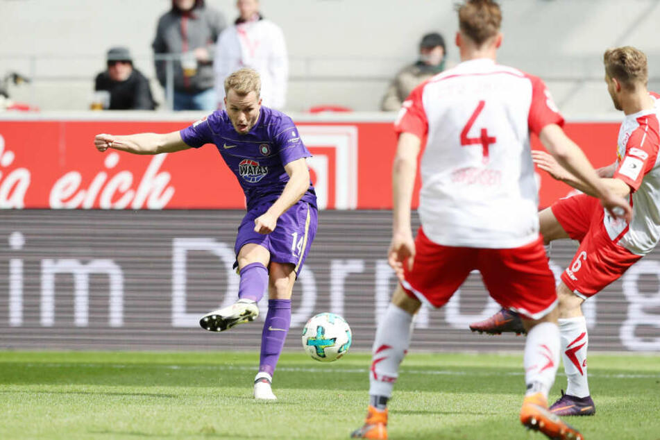 In der Vorsaison erzielte Pascal Köpke (l.) beim 3:1-Sieg in Regensburg zwei Treffer.