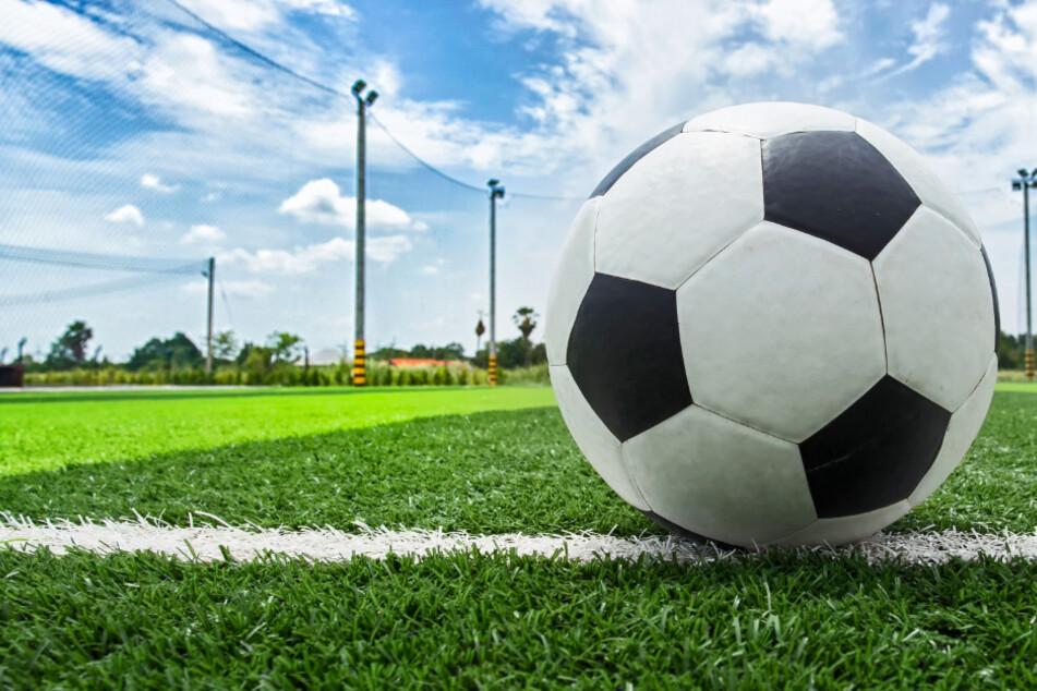 Die Fußball-Regionalliga Südwest hatte alle Spiele bis Ende November abgesetzt (Symbolbild).