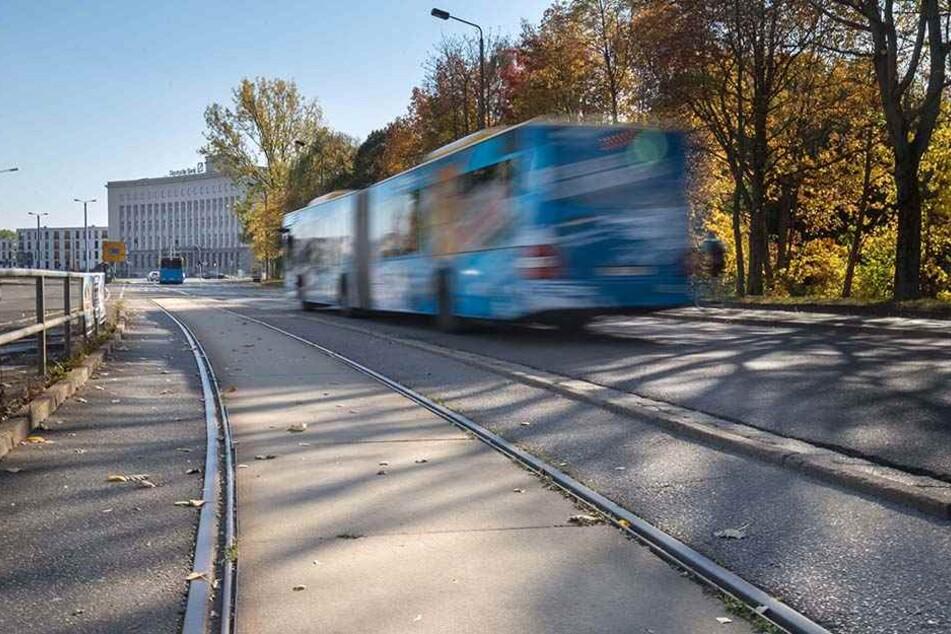 Chemnitz will den Stadtring schließen. Schon früher fuhren Straßenbahnen in der Theaterstraße.