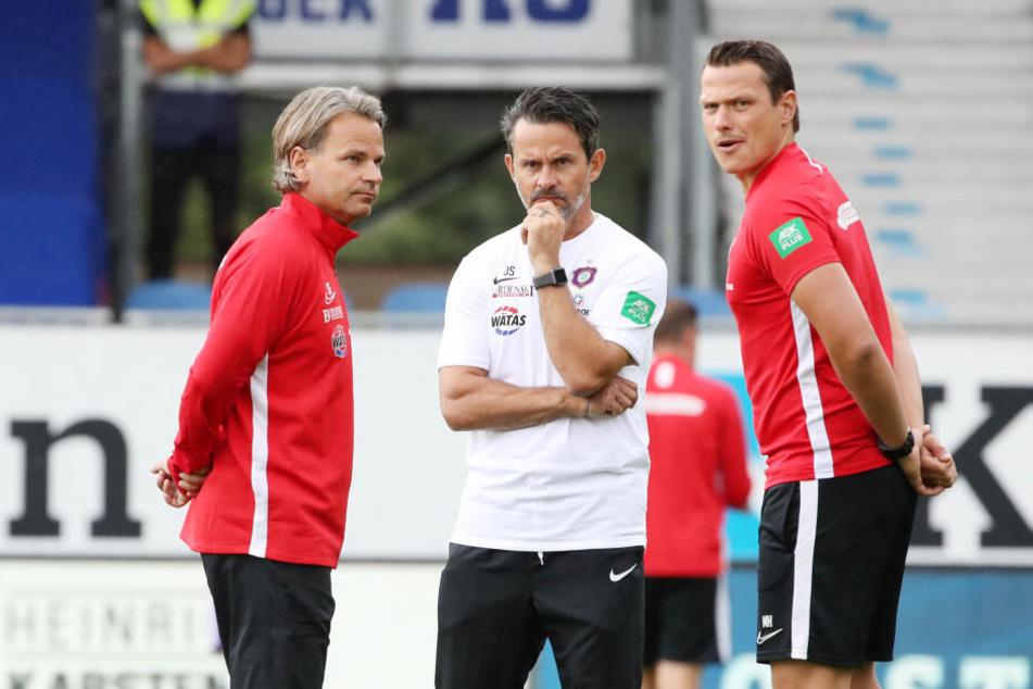 Das neue Trainerteam: Dirk Schuster (M.) und seine Co-Trainer Sascha Franz und Marc Hensel.