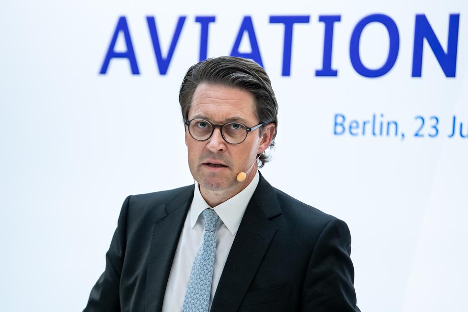 Andreas Scheuer (45, CSU) fordert eine Vereinheitlichung der Bußgelder bei Verstößen gegen die Maskenpflicht.