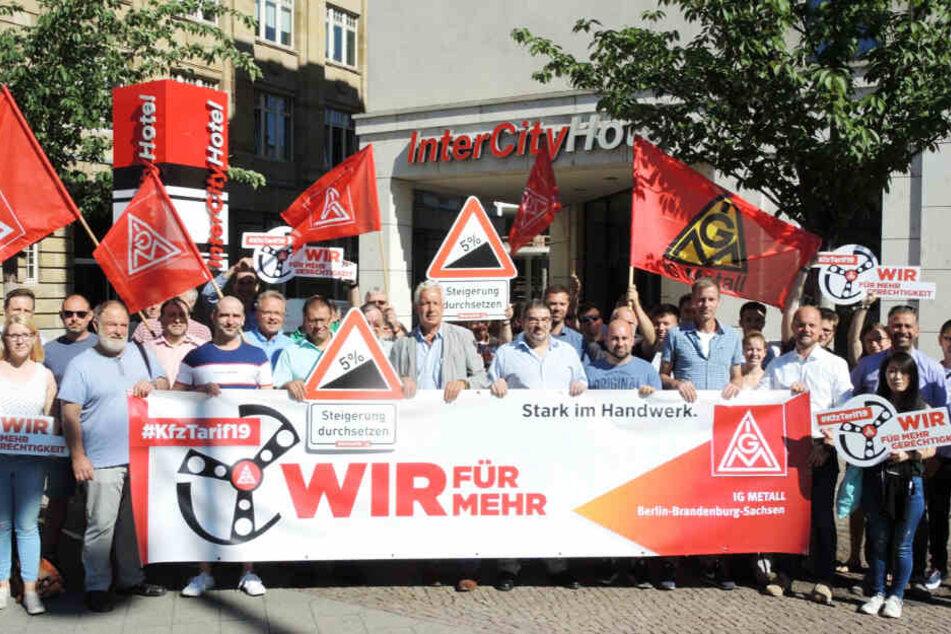 Mitarbeiter in Autoherstellung vor Kopf gestoßen: IG Metall ruft zu Streik auf