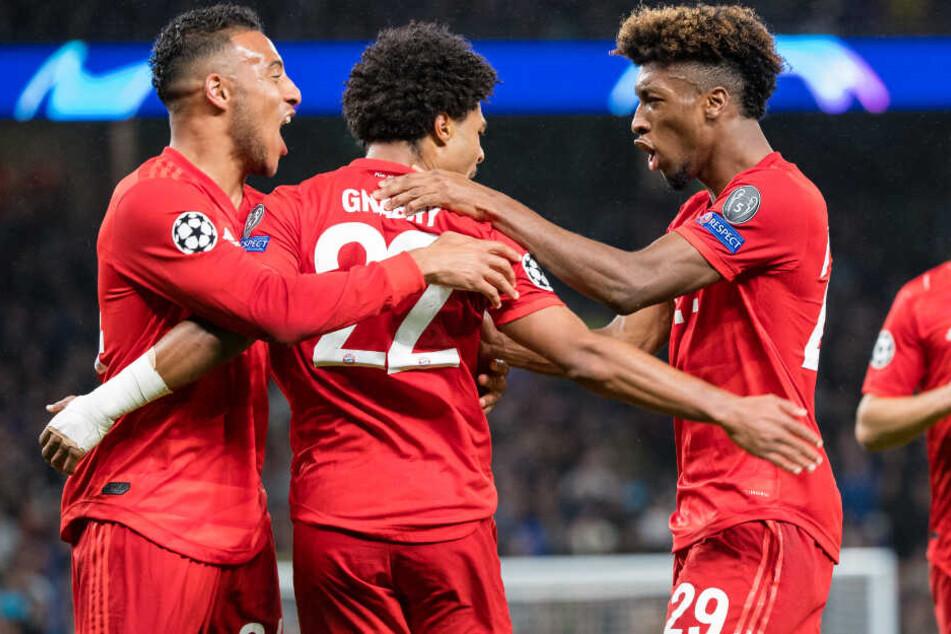 Corentin Tolisso (l-r), Serge Gnabry und Kingsley Coman vom FC Bayern München.