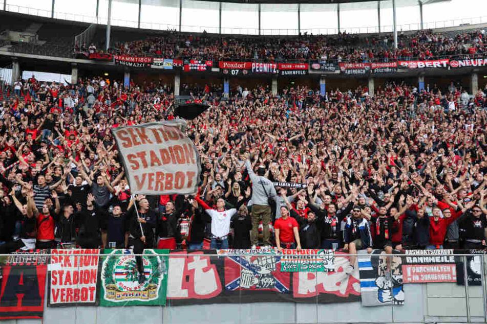 Die Anhänger des 1. FC Nürnberg hatten eine Fan Aktion vor dem Derby geplant