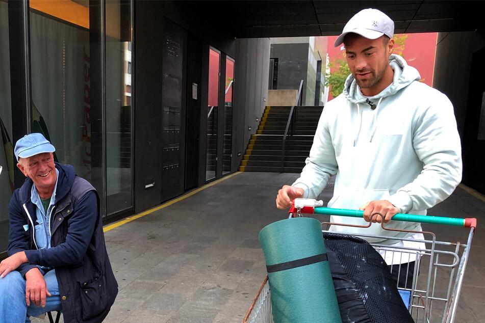 """Tobias Wegener gerät mit Obdachlosem aneinander: """"Wenn ich dir zuhöre, wird mir schlecht!"""""""