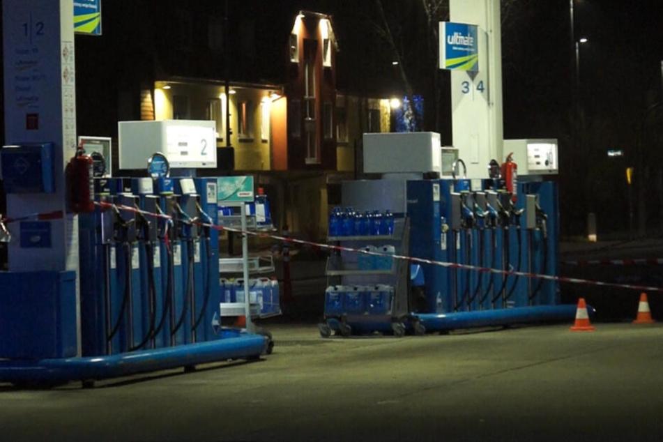 Der Bereich an der Tankstelle wurde abgesperrt.