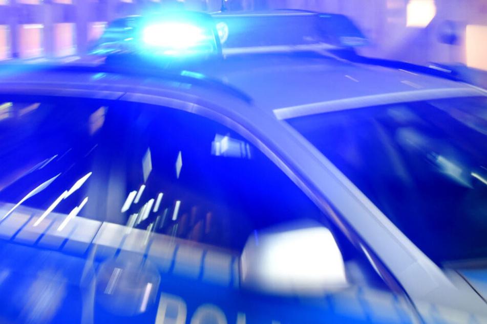 Streit in München eskaliert: 33-Jähriger mit Pflastersteinen und Besen übel zugerichtet