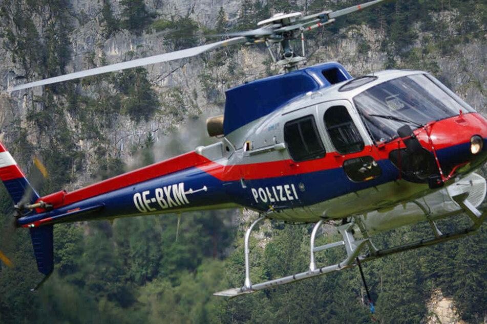 Rettungskräfte kamen mit dem Helikopter (Symbolbild).