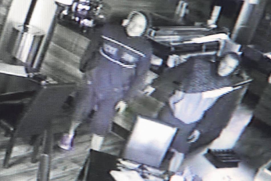 Keine Chance für Einbrecher: Alle Objekte von Wolle Förster sind mit  Videokameras bestückt. Ein ähnliches Bild postete Förster bei Facebook.