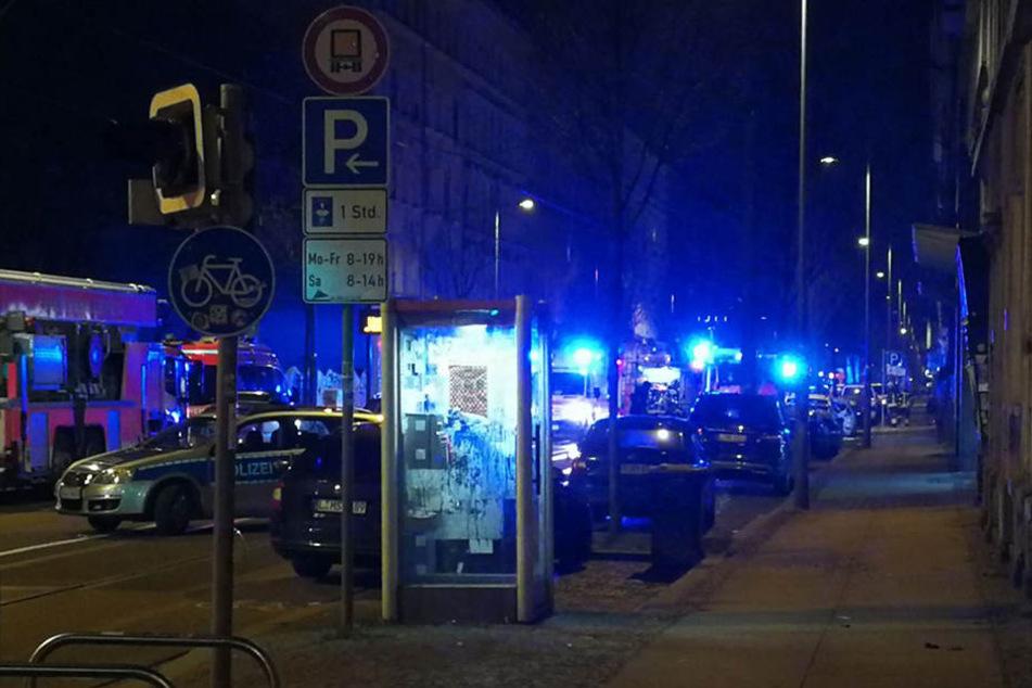 Blaulicht auf der Eisenbahnstraße! Wohnhaus evakuiert