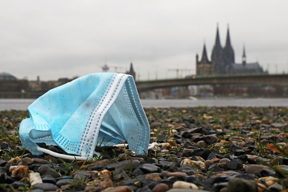 In Köln bleiben die Corona-Infektionszahlen weiterhin auf hohem Niveau. (Symbolbild)