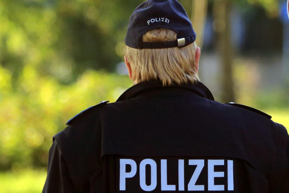 Die Polizei hat vier Tatverdächtige festgenommen. (Symbolbild)