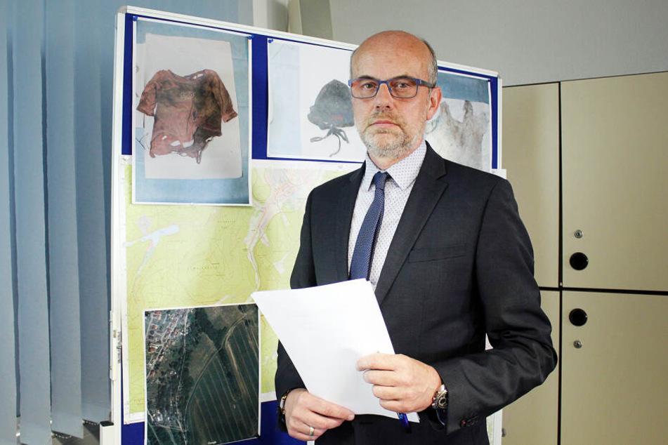 Kriminalhauptkommissar Jens Büchner stellte die Hinweise der Ermittler in Gotha vor.