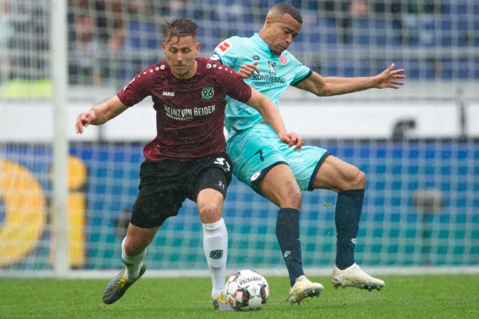 Waldemar Anton (vorne) gehört zu den Leistungsträgern bei Hannover.
