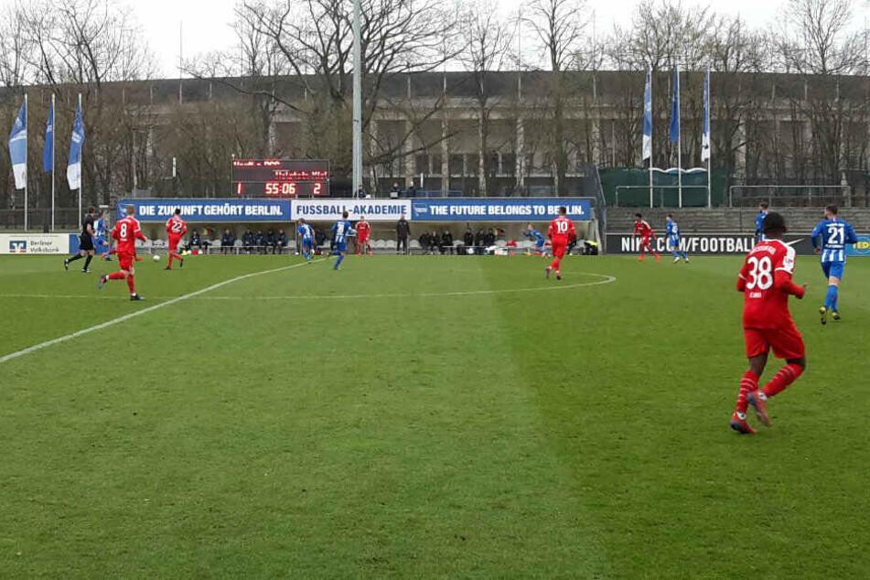 Hertha BSC traf im Amateurstadion auf Holstein Kiel.