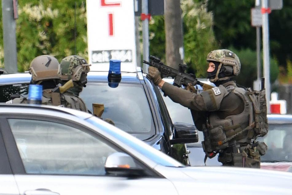 Bewaffnete Person gesichtet: Großeinsatz in Aschheim bei München beendet