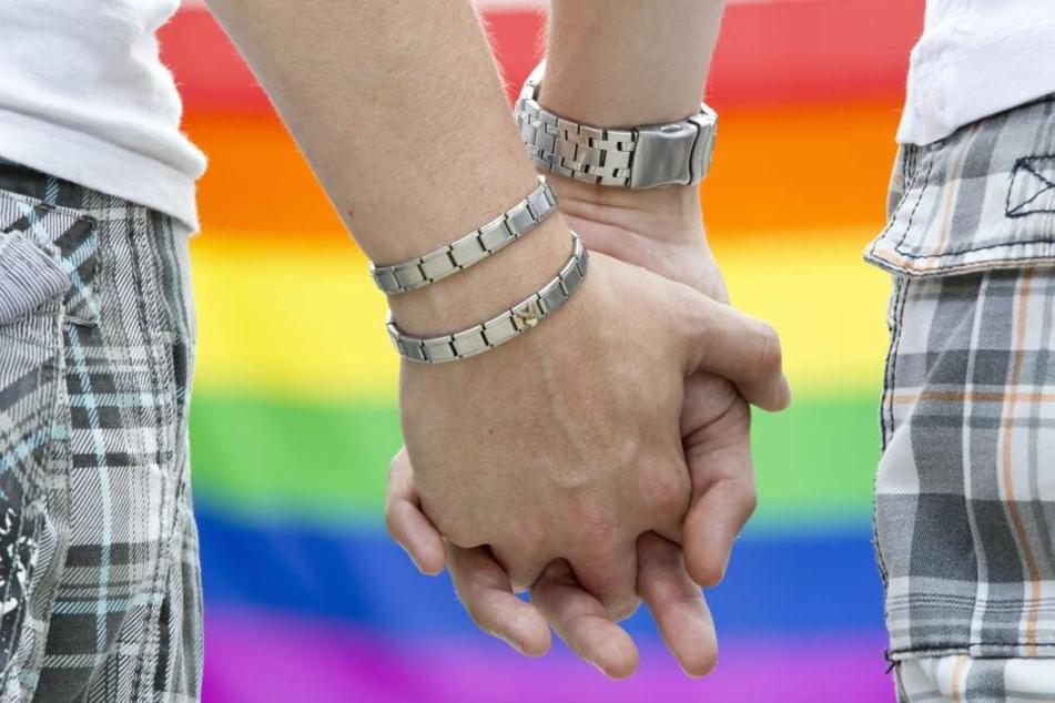 Rund fünf Prozent aller Ehen, die 2018 in Sachsen geschlossen wurden, entfallen auf homosexuelle Paare.