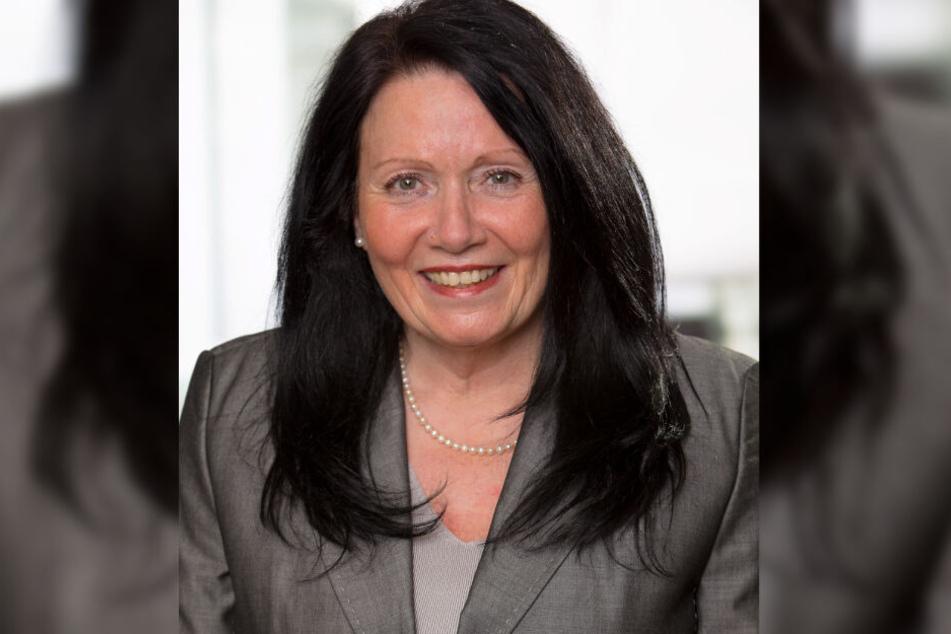 Die CDU-Politikerin Monika Schirdewahn ist mit dem AfD-Politiker Horst Schirdewahn verheiratet.