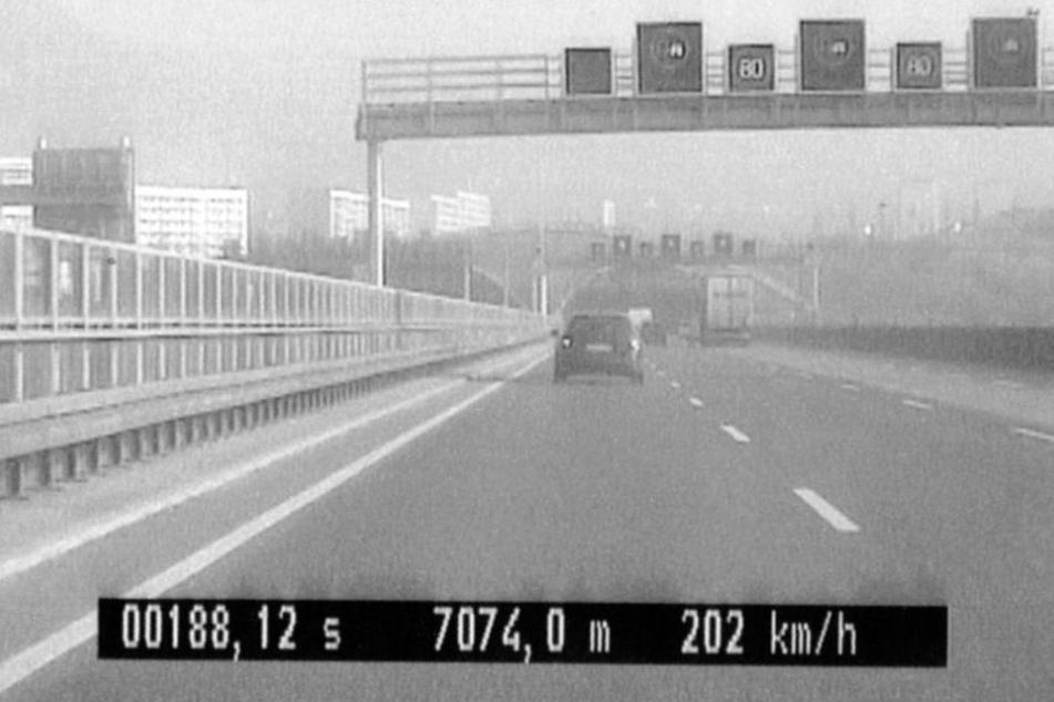 Mit 202 km/h raste der 36-jährige BMW-Fahrer über die A4.