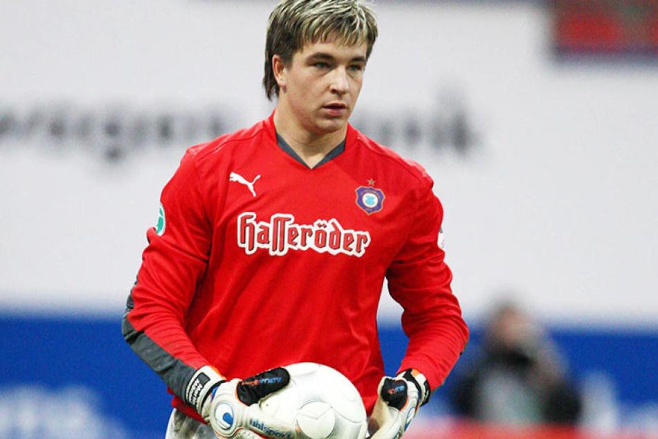 Ein Jungspund im Auer Tor: Martin Männel als 20-Jähriger beim Rückspiel gegen die Eintracht in der Saison 2008/09.