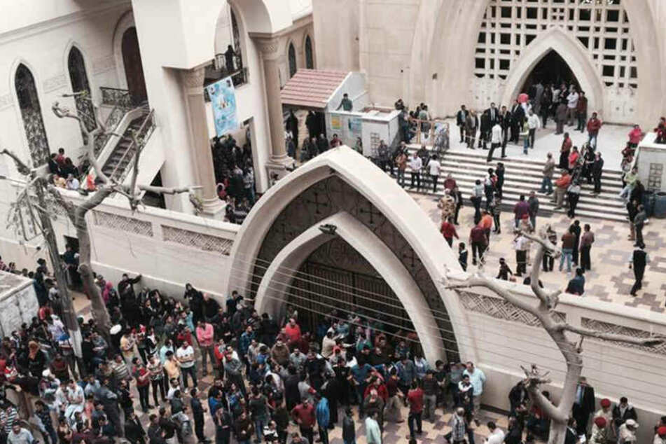 Mindestens 41 Menschen starben am Sonntag bei Anschlägen auf koptisch-orthodoxe Kirchen.