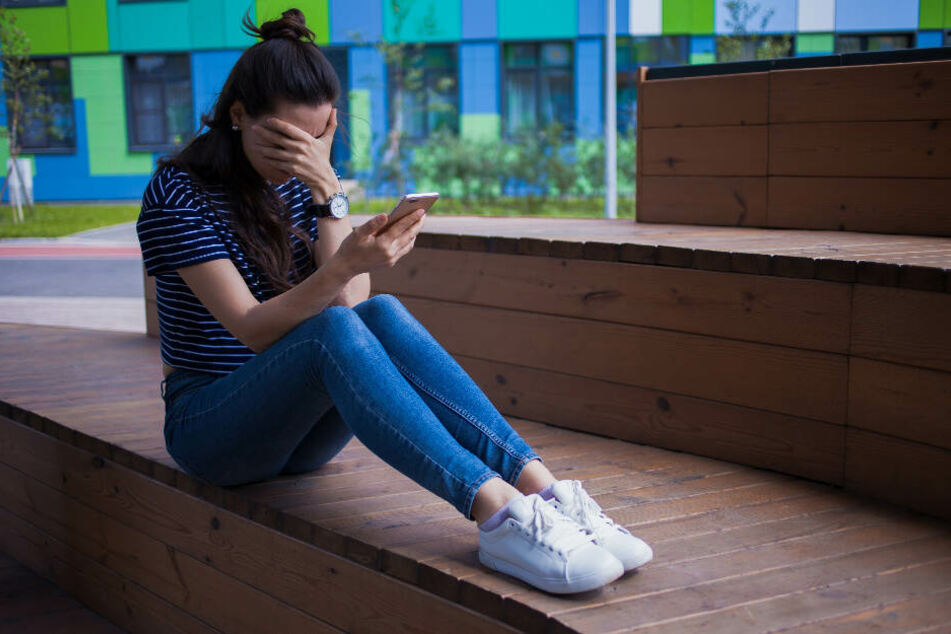 Auch auf den Sozialen Netzwerken scheinen Lehrer Grenzen zu überschreiten. (Symbolbild)