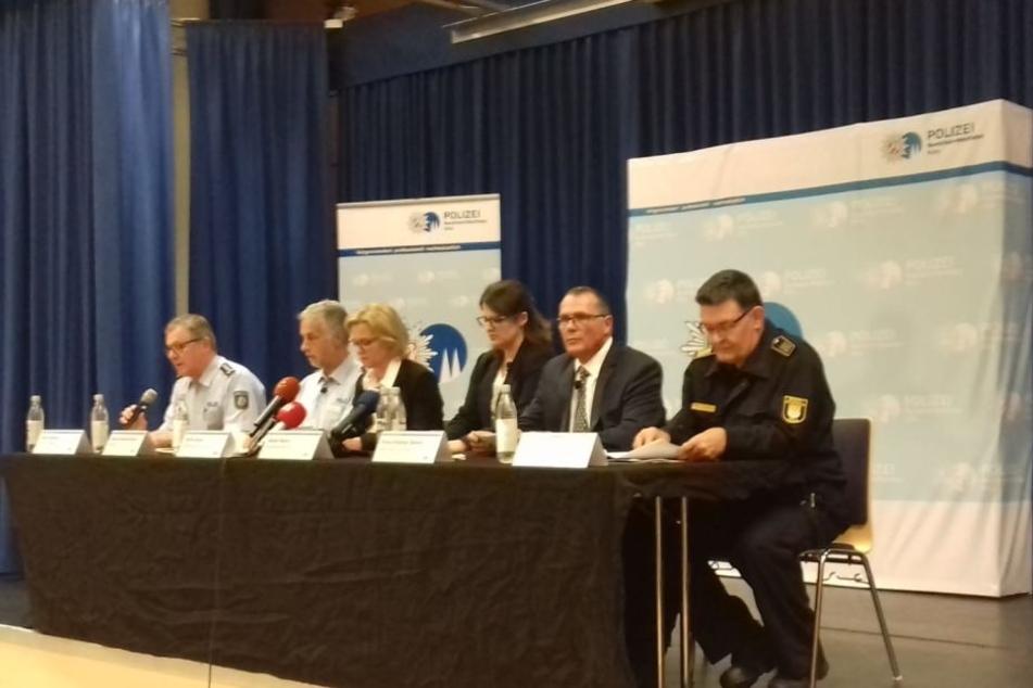 Pressekonferenz im Polizeipräsidium Kalk.