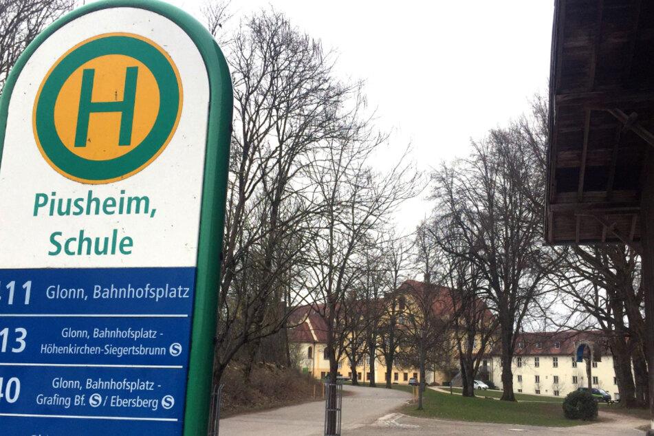 Die Staatsanwaltschaft München II hat Vorermittlungen eingeleitet gegen einen früheren Erzieher des Jugenddorfes Piusheim im Kreis Ebersberg sowie einen damals angehenden Priester.