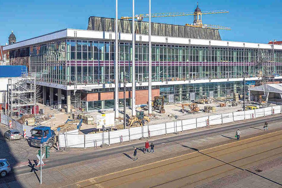Der Kulturpalast soll Ende April  nach seiner Sanierung wiedereröffnet werden.