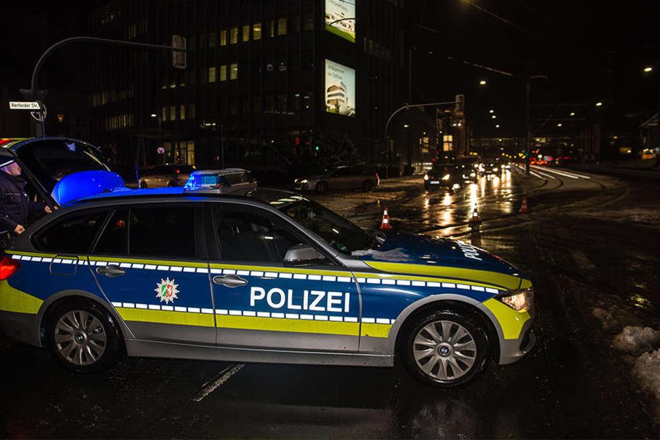 Die Polizei sperrte die Herforder Straße stadtauswärts.