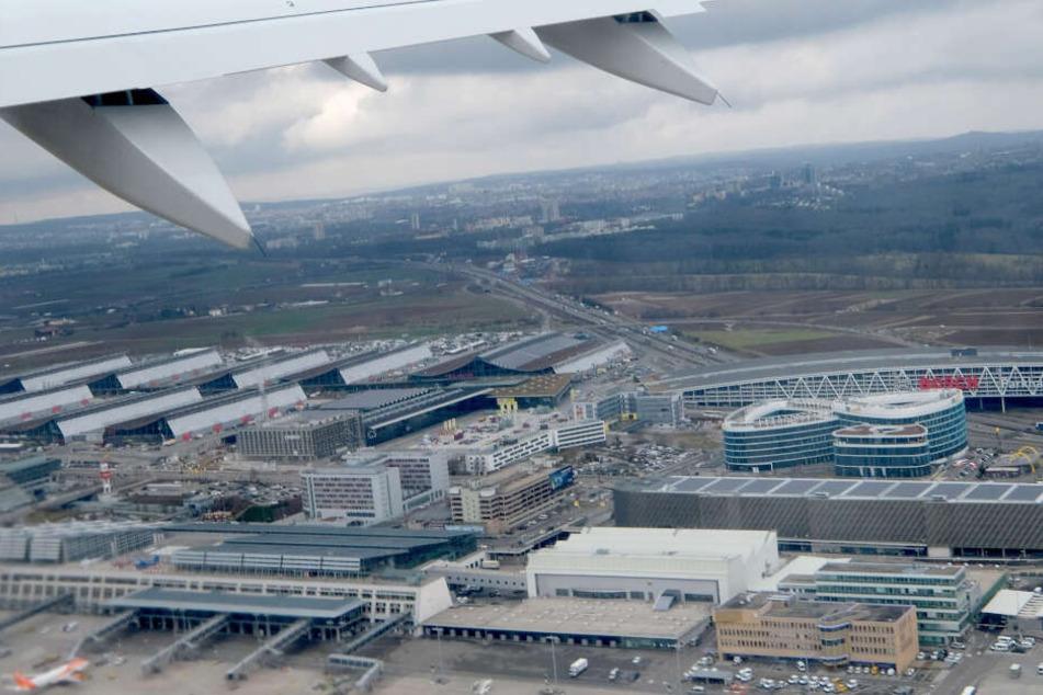 Rauch sorgt für Alarm am Stuttgarter Flughafen