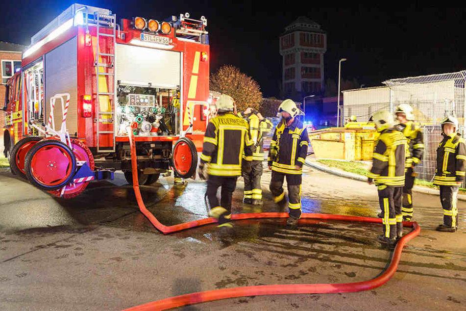 Die Feuerwehr war mit etwa 30 Kameraden beim Brand vor Ort.