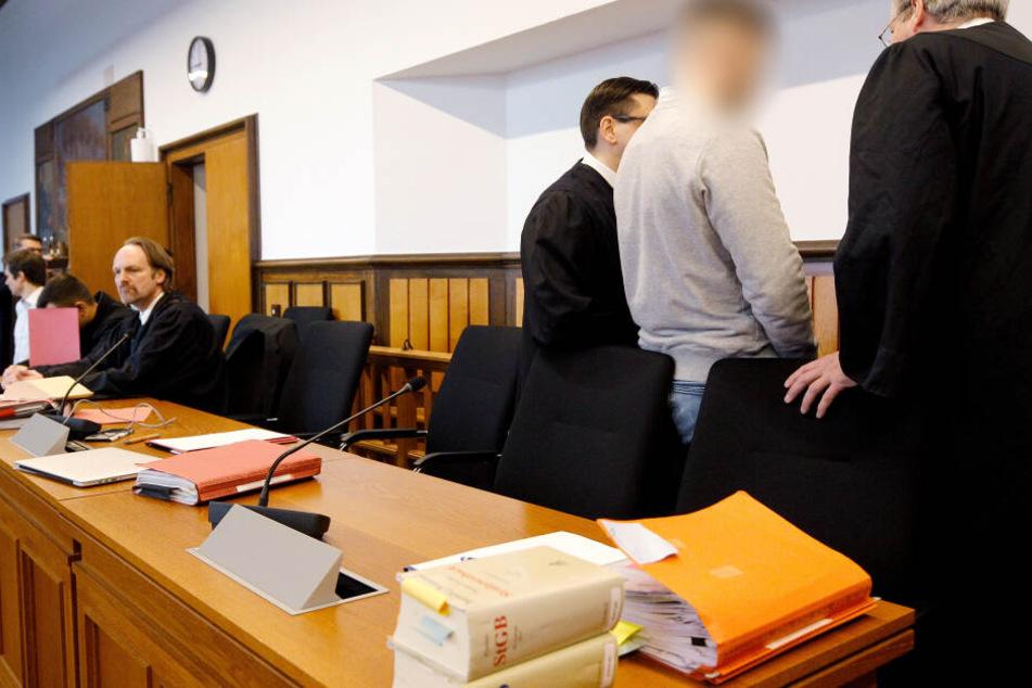 Tödliches Autorennen: Raser wegen Mordes zu lebenslanger Haft verurteilt