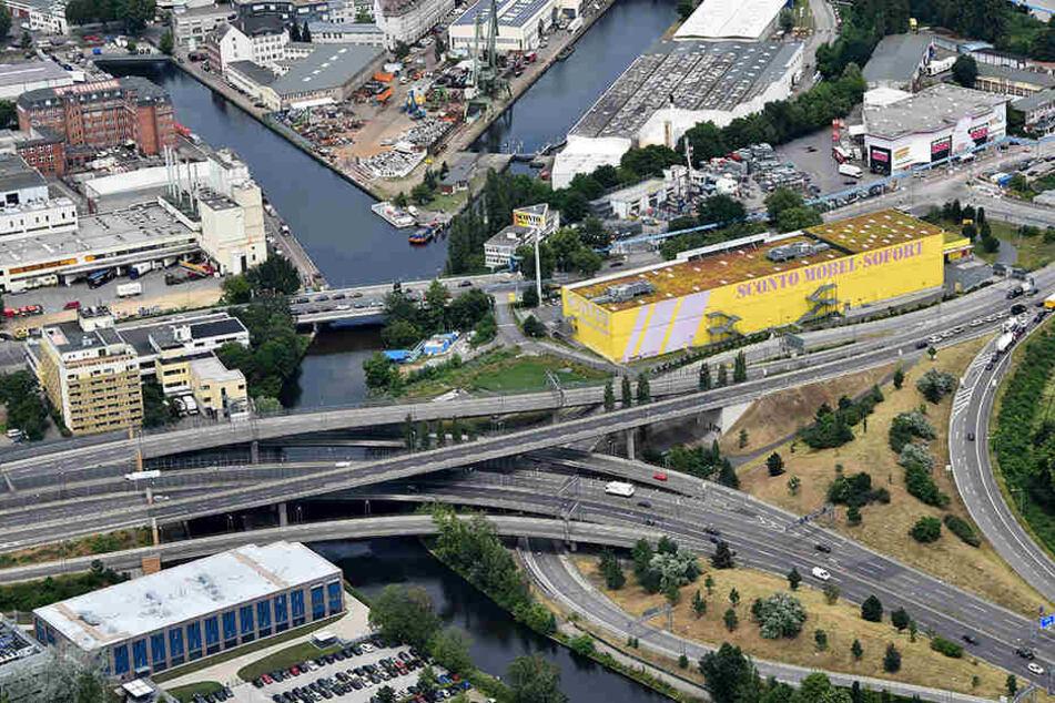 Das Autobahndreieck Neukölln als künftige Schnittstelle der A100-Verlängerung nach Nordosten Richtung Treptower Park.
