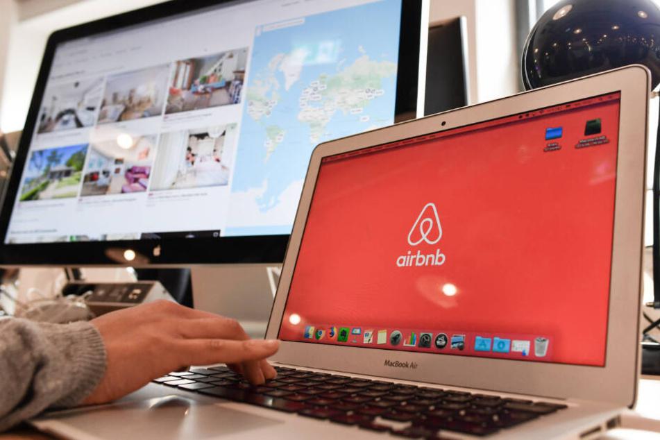 Über Airbnb können Unterkünfte billig gemietet werden.